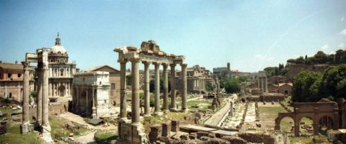 wichigsten gebäude des forum romanums